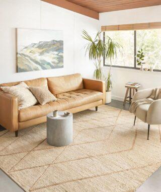 The best rugs hold the perfect tension between sophistication and comfort ✨  #coastsupply#homedecor#homefurnishings#interiordesign#santabarbarainteriordesign